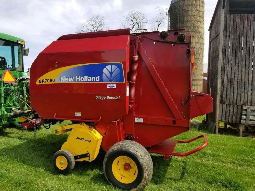New Holland BR7060 Silage Special baler, like new (1283 bales