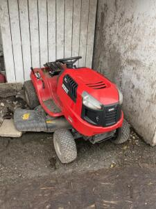 Huskee LT4200 Riding Mower, needs some TLC