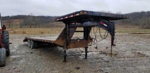 2013 Load Max Tandem Dually 30' Gooseneck trailer w/ dovetail & ramps