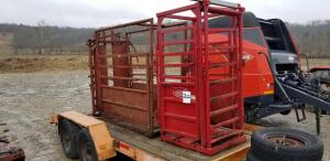 Palco cattle chute w/ palpation cage
