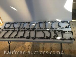 Set of tire chains/ fits any dually pickup truck