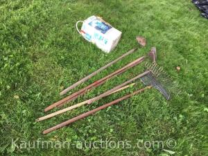 3 Hoes, sprayer & Rakes