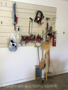 Tools & misc / Contents of wall/ see pictures