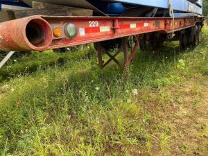 Flatbed Semi trailer 8'x 30', conveyors in next lot!