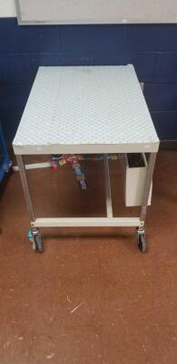 White metal rolling cart