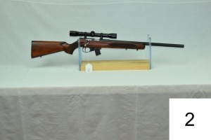 Winchester    Wildcat     Target/Varmint    Cal .22 LR    W/ Redfield 4x Scope     SN: 225MN04165    Condition: 95%