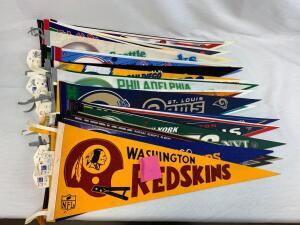 (31) NFL football pennants with original tags from Hall of Fame