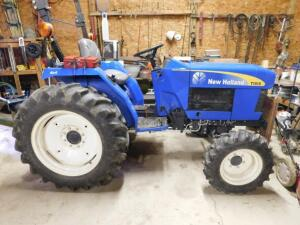 New Holland T1510 Tractor - 9 speed - 4x4 – Ag Tires 590 hours