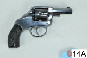 Harrington & Richardson    Safety Hammer    Cal .32 S&W    SN: 197959    Condition: 45%