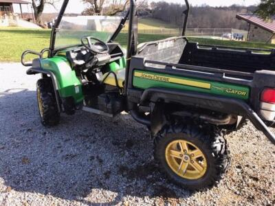 2013 John Deere Gator 825 I, Power steering, 858 hours.
